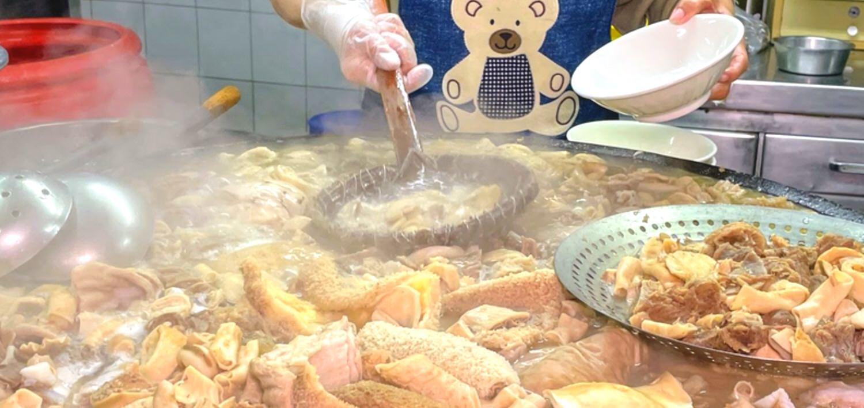 王家祖傳本產牛雜湯 / 靠香味就能定位的牛肉湯 / 東市場半日遊 / 嘉義東區