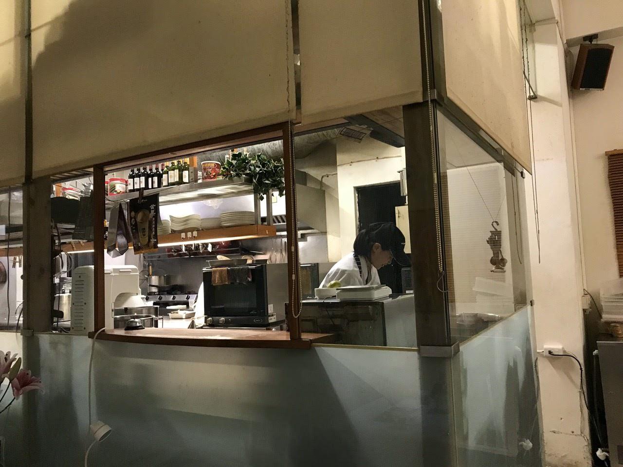 【台中|西屯】菲菲花園‧義式餐廳|在地深耕15年的義式餐廳|難忘的和牛排餐與道地的義式燉飯|台中西屯牛排