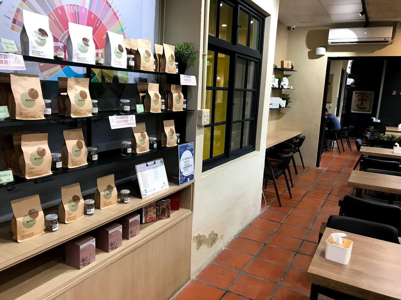 【台南|善化】穎可達咖啡 善化糖廠店|隱藏在善化糖廠廠區的咖啡廳|擁有許多特色的飲品極舒適的環境|台南川文山半日遊(三)