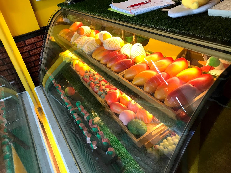 |南泉冰菓室|當季新鮮水果冰|運河旁的浪漫復古風情冰店|運河河景第一排|網美拍照好看彩繪牆[台南 安平]