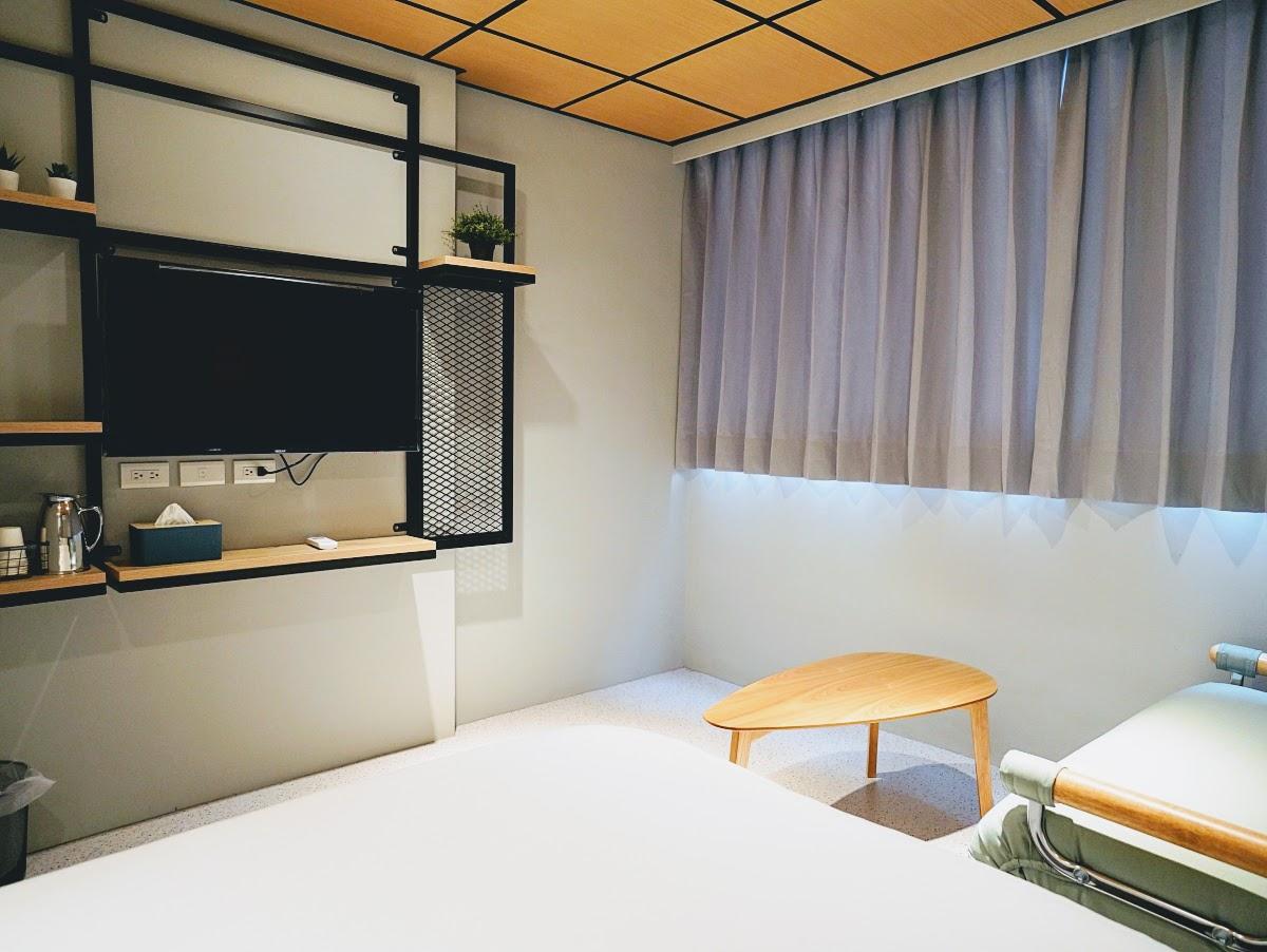 和寓旅店。ZZinn|馬公市區全新開幕的輕裝潢旅店|絕佳的交通位置與舒適的慵懶空間
