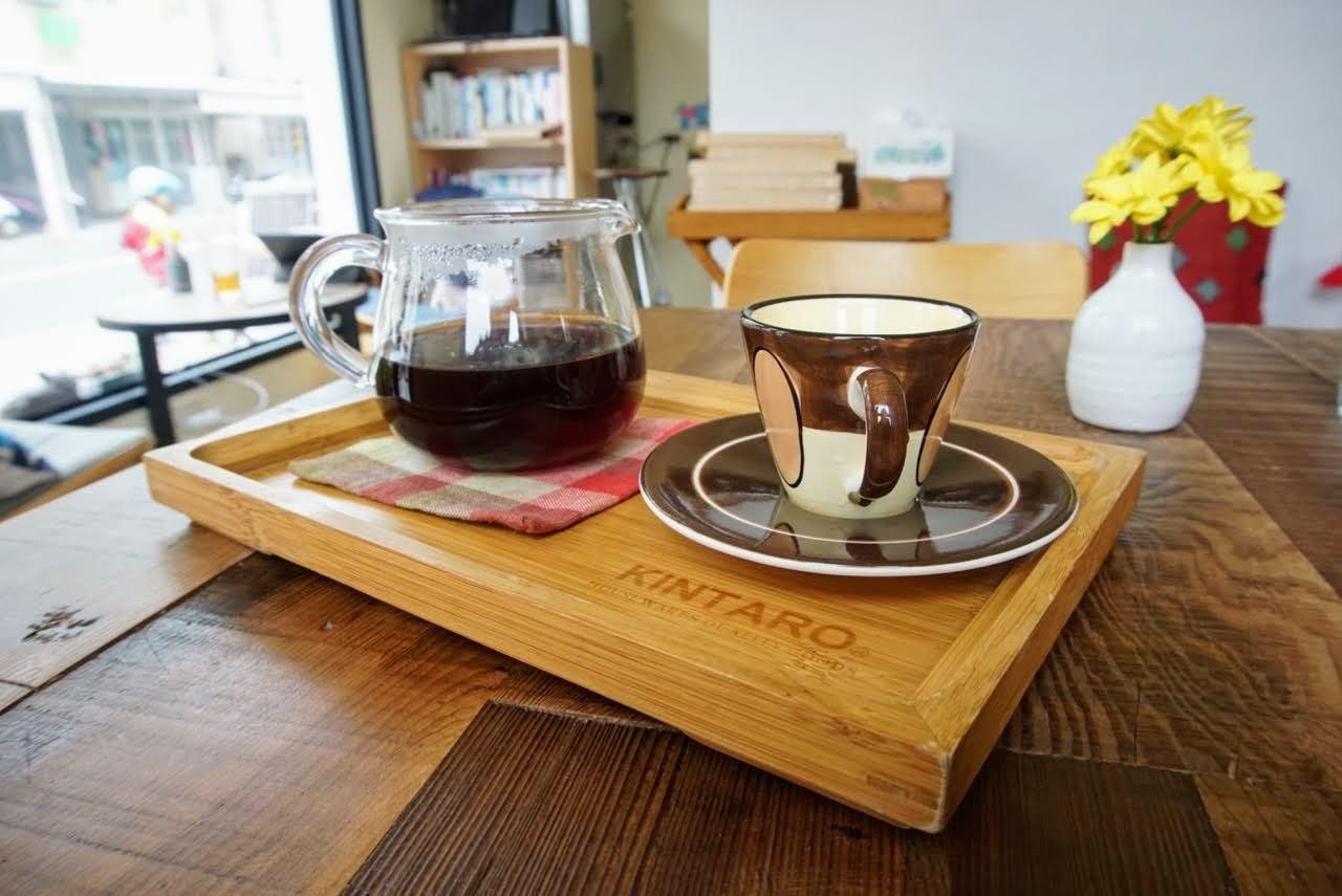 朵思咖啡DOORS CAFE。澎湖鬧中取靜咖啡館