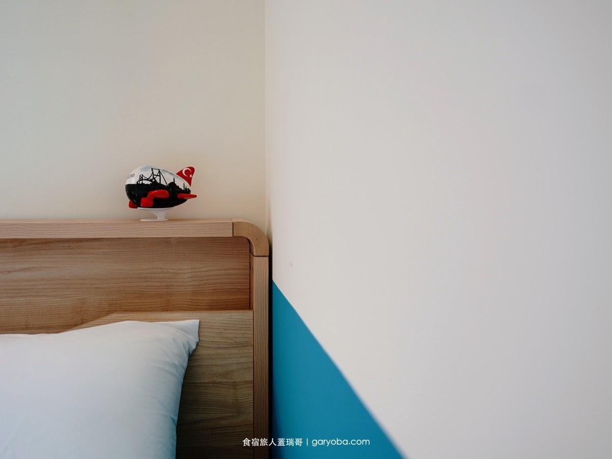 侶寓 Run away guesthouse。澎湖設計感民宿還可以看飛機起降|城市風格的主題房