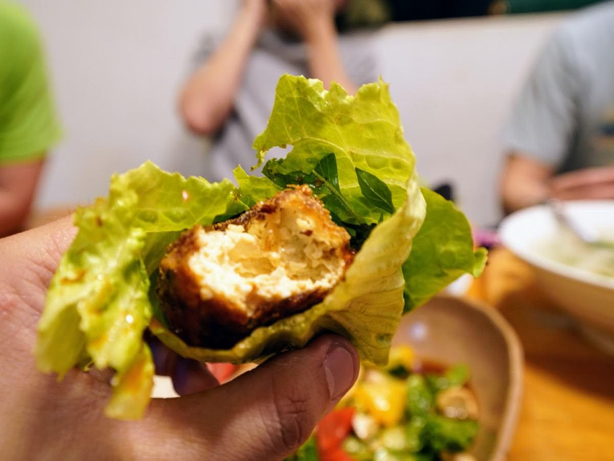 傻愛莊。澎湖特色創意料理 招牌炸蛋好吃到連空盤都不能被收走