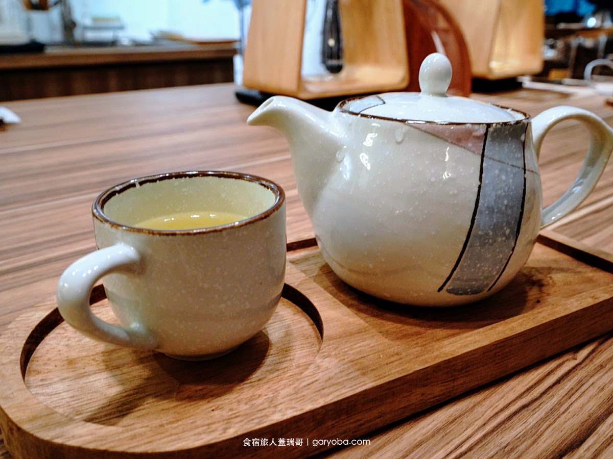 木咖 Horoka。西門木質感巷弄咖啡 不到200元就可以喝到手沖冠軍咖啡